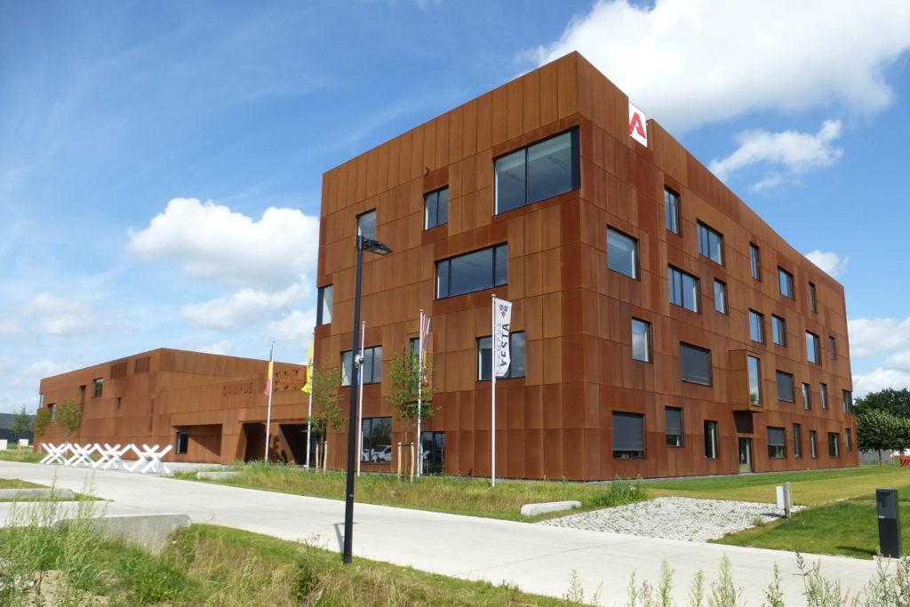 Stabiliteitsstudies Campus Vesta, Emblem